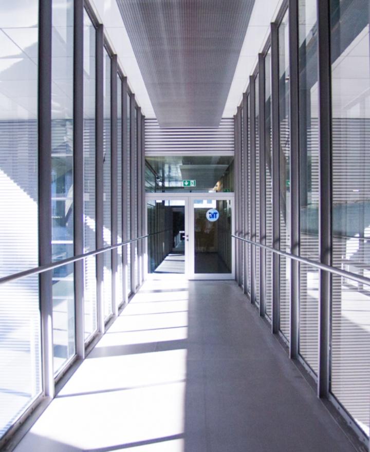 Eingang des IHT (c)
