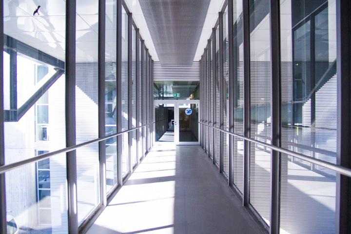 The IHT in the building ETI II on the Campus Vaihingen (c)